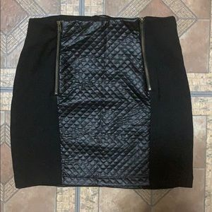 Black multi-textured mini skirt
